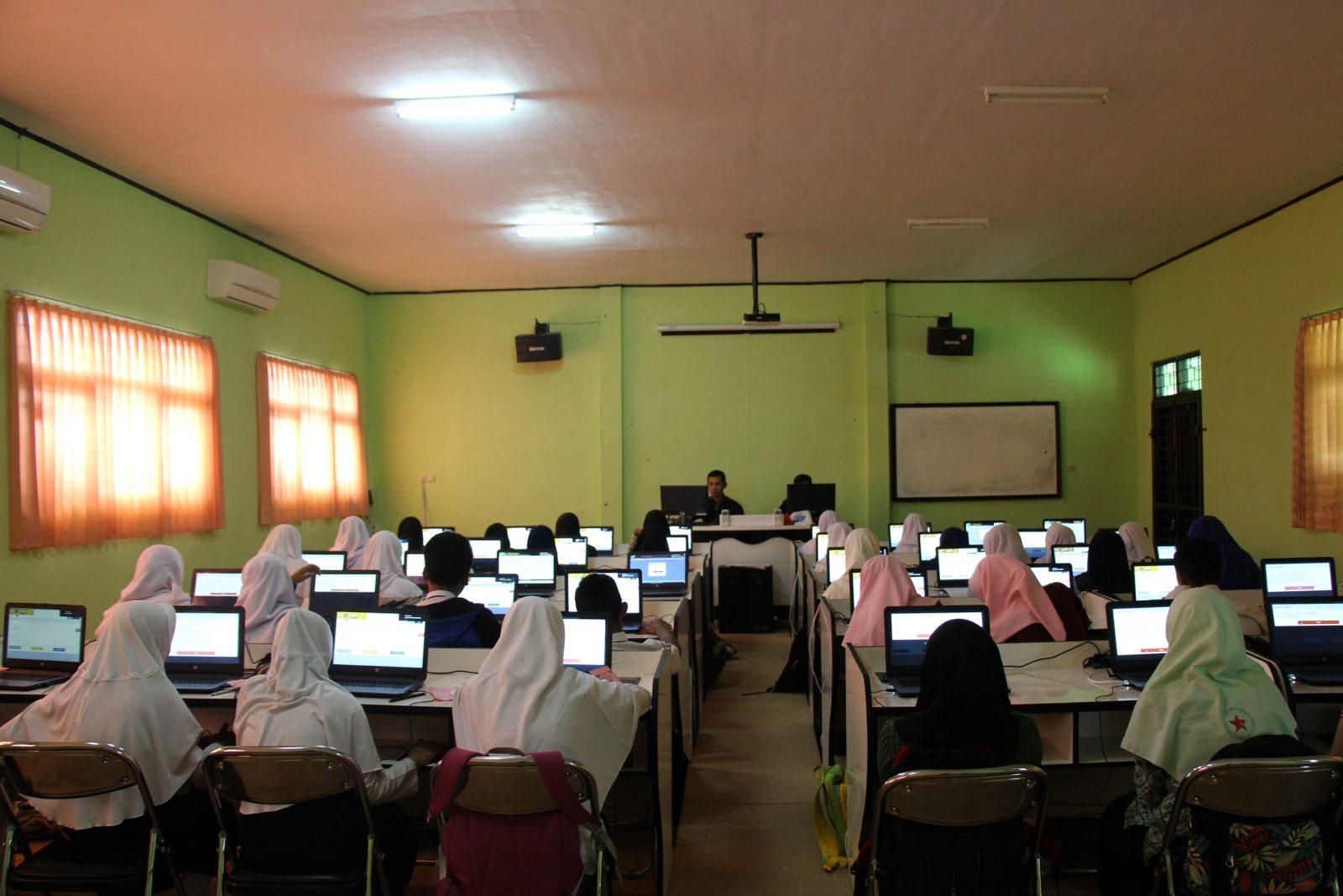MAN 2 Wonosobo Gelar Seleksi Beasiswa Akademik Berbasis CBT